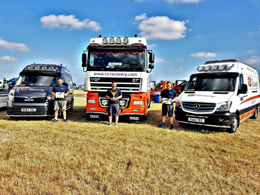 award truckfest trucks recovery convoy in the park rsrecovery